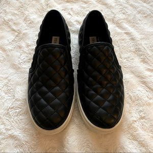 Steve Madden Ecentrcq Black Quilted Loafers Shoes